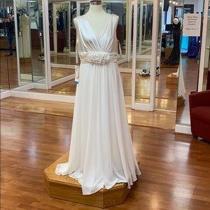 ✔️ Ivory bridesmaid dress